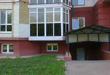 zaschischennyy-ot-solntsa-i-postoronnih-vzglyadov-balkon