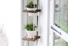 vertical-plant-hanger-for-apartment-balcony-garden
