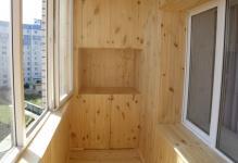 Otdelka-balkona-vnutri-vagonkoy