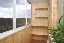 vnutrennyaya-otdelka-balkona-derevom-vagonka
