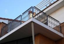 kovanye-balkony-14