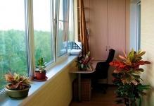 dizain-balkona-svoimi-rukami2