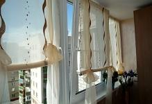 shtory-na-oknah-balkona