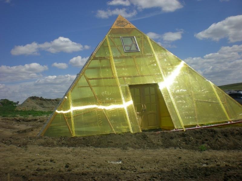 Теплица в форме пирамиды своими руками 27