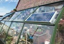 solarpanelongreenhouse