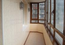 otdelka-balkona-plastikovyimi-panelyami
