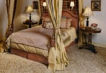 canopy-bedroom-sets-Bedroom-Traditional-with-canopy-bed-carpet-four-poster-bed-gold-picture-frame-moulding-pattern-carpet