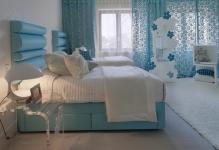 light-blue-curtains-bedroom-1024x745