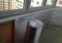 Teploizolyatsiya-balkonov-i-lodzhiy-penofolom