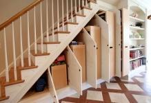 3KeyesUnder-Stair-Storage-21