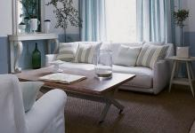 68713-beautiful-blues-combined-with-white-make-for-a-relaxing-room1440x900