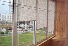 rulonnye-shtory-na-balkon-2