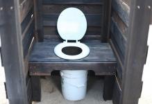 postroit-tualet-na-dache