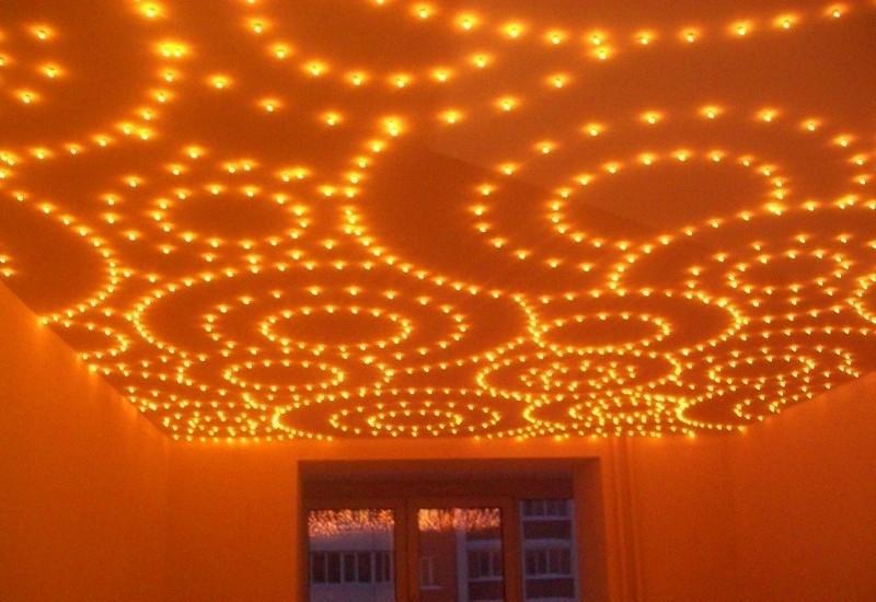 расположен потолки рисунок лампочками вечер селин оказывал