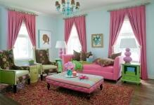 Traditional-living-room-benefits-from-an-infusion-of-pink-and-green