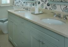 european-style-small-bathroom-wallpaper-picture