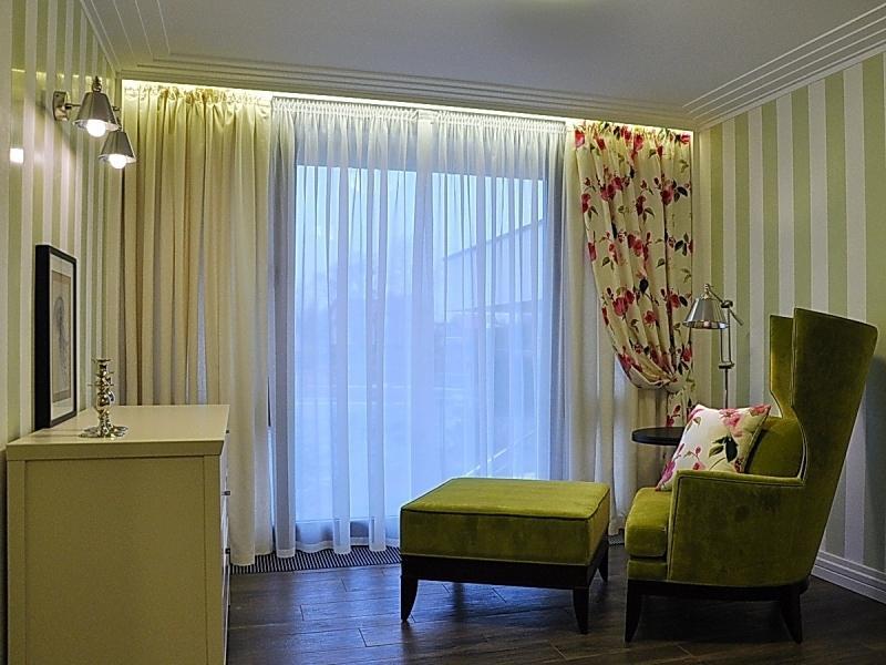 заселения шторы в комнату с низким потолком фото такие фото