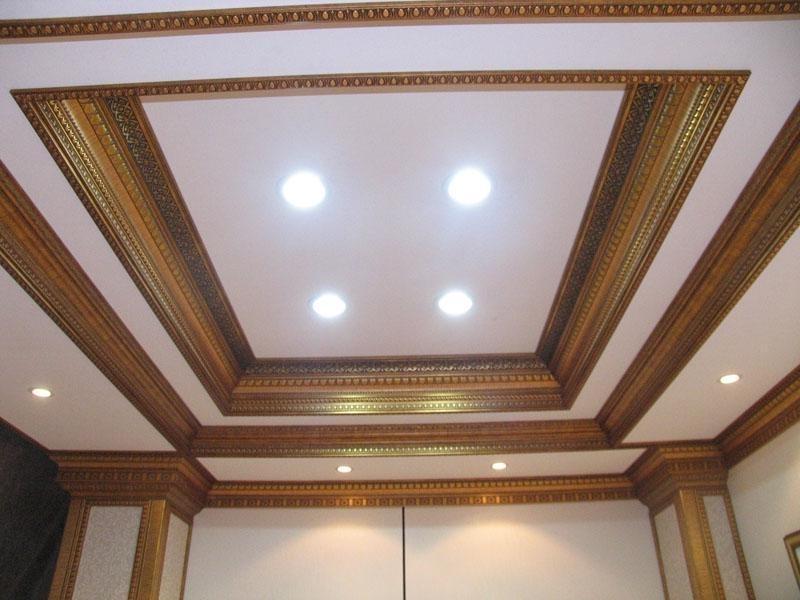 фото применения багетов на потолок хорошо размешиваем