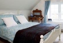Attic-Bedroom-Ideas-photo-yIHF