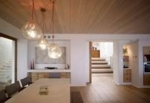 Waterfront-House-Australia-Dining-Table-Lighting-Wood-Flooring--