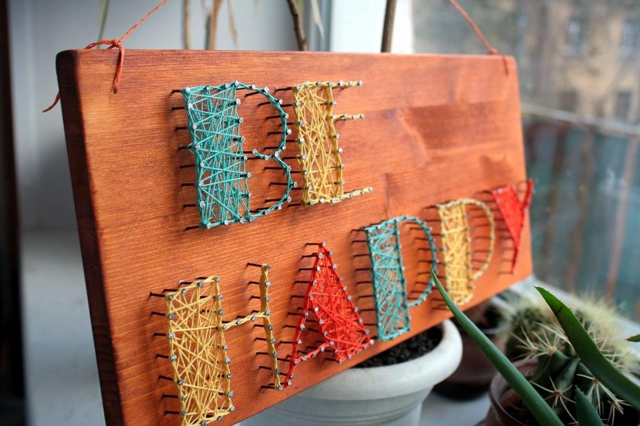 Картинка с гвоздями и нитками