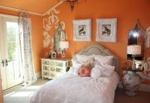 orange-girls-room