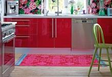 Dare-to-usher-in-a-bold-print-to-enliven-the-contemporary-kitchen-Custom