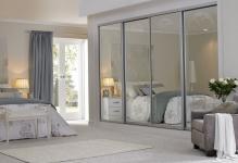 Closet-Door-Decorating-Ideas-Sliding-Wardrobe-Doors-Mirror-Decorations-0
