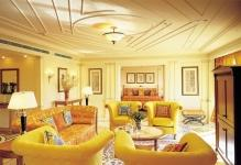 Modern-empire-interior-design-inspired-from-Versace