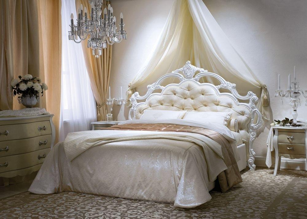 Шикарная кровать картинка