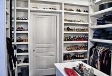 wonderful-wardrobe-in-dressing-room-04