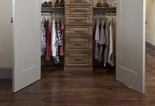 walk-in-closet-small-bedroom-1