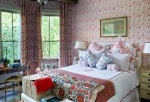 JaneScottHodges-red-traditional-bedroom-1024x768