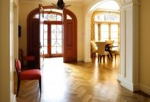 foyer-decor-design-quebec-are-home-flooring
