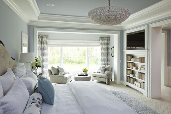 Обратите внимание, что освещение отражается на уровне комфорта спальни, поэтому здесь обязательно нужно учесть все нюансы