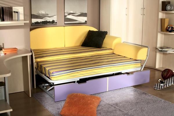 Стильный и компактный диван с механизмом «еврокнижка» гармонично впишется в общий дизайн спальни подростка