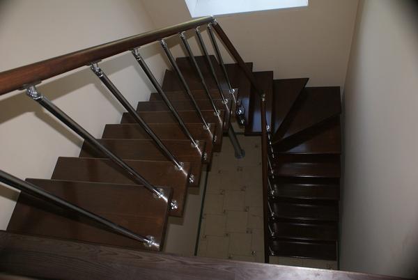 Перед началом сборки п-образной лестницы рекомендуется изучить советы специалистов или посмотреть обучающее видео