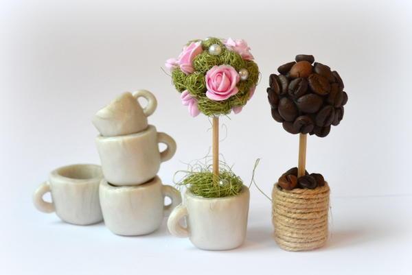 Мини-топиарий прекрасно подойдет для роли небольшого сувенира или подарка близким
