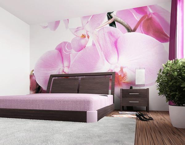 Обои с орхидеями отлично подойдут в спальню, поскольку они создают тихую и спокойную атмосферу