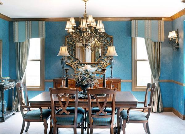 Сочетание голубого и натуральной древесины - классика, часто используемая для оформления строгих интерьеров