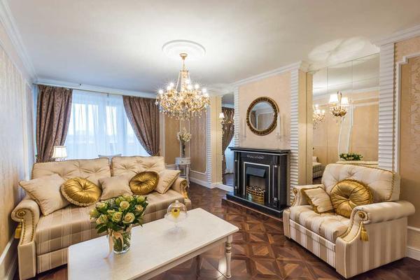 Классический стиль характеризуется наличием натуральных материалов, камня, а также изысканных декораций