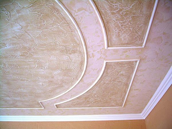 Декоративная штукатурка отличается от обычной наличием структурообразующего материала, придающего поверхности рельеф