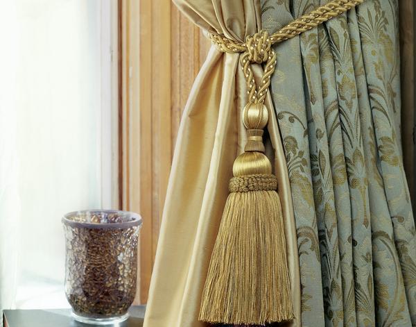 Материалы для изготовления кистей для штор продаются в магазине для рукоделия