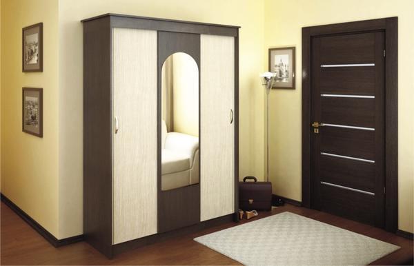Двери могут быть выполнены из ДВП, необработанного древесного или ламинированного полотна