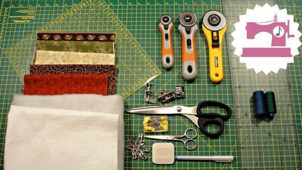 Для работы в стиле пэчворк необходимы качественные материалы и инструменты