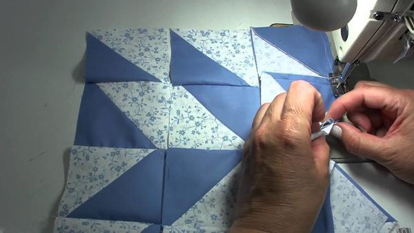 Обучение изготовлению изделий в стиле пэчворк лучше начинать с техники быстрые квадраты