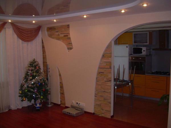 В качестве финишной отделки гипсокартонной стены можно использовать красивые обои или декоративную штукатурку