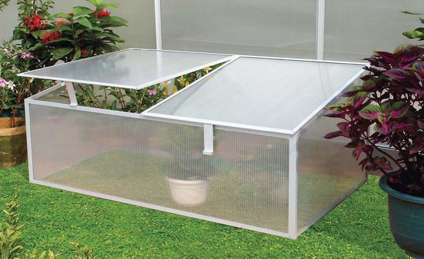 Дачники не страдают гигантоманией, поэтому отдают предпочтение компактным, недорогим и эффективным защитным конструкциям