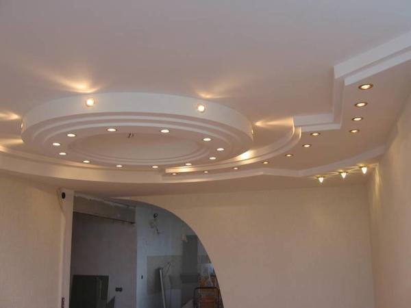 Небольшие лампы не только отлично подходят для низкой комнаты, но и являются бюджетным вариантом, который будет по карману каждому