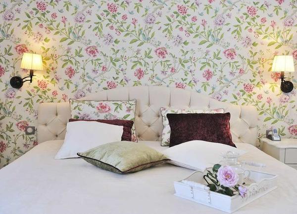 Обои в стиле кантри придадут комнате неповторимый колорит, сделают ее неординарной и оригинальной